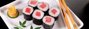 Медики рассказали о пользе и вреде суши