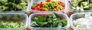 7 продуктов, которые нельзя хранить в пластиковой посуде