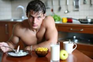 Нужно ли завтракать перед тренировкой рассказали эксперты