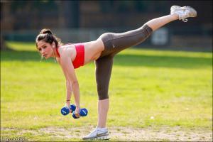 Зарядка поможет снизить вред после приема жирной пищи