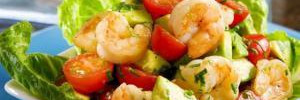 Салат с креветками и мятной заправкой