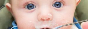 Кормление детей с ложки приводит их к ожирению