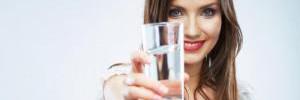 Как правильно пить воду и другие напитки?