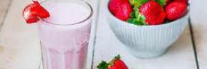 Клубничный смузи: рецепт с бананом, медом и йогуртом