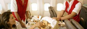 Диетолог рассказала, как правильно питаться в самолёте