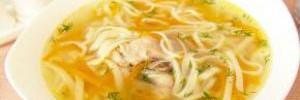 Как сварить согревающий куриный суп с лапшой