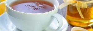 Почему мед лучше запивать чаем, а не добавлять в напиток