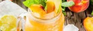 Как освежиться в жару: ТОП лучших напитков и блюд
