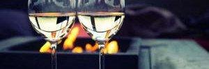Ученые рассказали, почему мы стали больше пить и есть