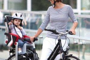 Как правильно перевозить детей на велосипеде