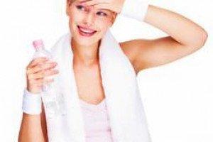 Сколько и когда пить во время занятий фитнесом?