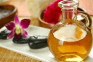 3 упражнения, которые предотвращают растяжки и рецепт антицеллюлитного масла