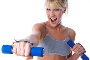 Фитнес в домашних условиях имеет свои плюсы и минусы