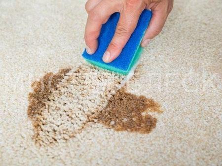 Как вывести ржавое пятно с ковролина